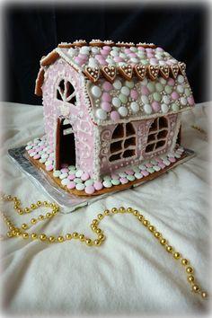 Luukku 20: Pinkki piparkakkutalo - Punatukka ja kaksi karhua Gingerbread, Ginger Beard