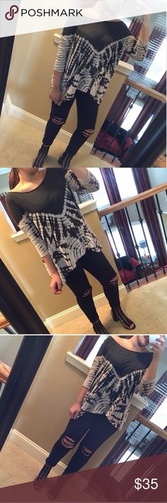 Asymmetrical free people tunic Free People tunic, gray and white color, tie dye print, oversized fit, tunic top. Available in only size Xs but it fits ALL SIZES perfectly due to oversized fit. Brand new without tags Free People Tops Blouses