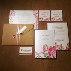 Como no amar essa papelaria floral?  abelhadesign convite conviteshellip