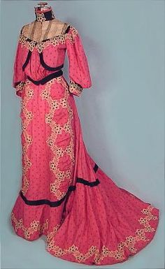 "c. 1904 Geranium Pink Afternoon 2-piece Trained Gown of ""Nun's Veiling"