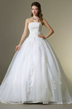 Ball Gown Strapless Organza Wedding Dress with Lace Bodice and Chapel Train JSWD0151 http://www.jueshegowns.co.uk