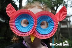#Kids Masks made out of cupcake liners!  BRILLIANT!  (Shared by The Craft Train) #kidscraft