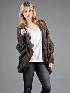 Image from http://www.designsbystephene.com/Images/ProductFull/27693-31/chunky-twisted-cable-cardigan.jpg.