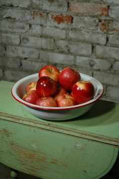 Enamelware bowl with red apples - lovely display in every kitchen!          Reminds me of Grandma!