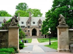 The 10 Most Beautiful College Campuses In America. Read more: http://www.businessinsider.com/most-beautiful-college-campuses-2014-8#ixzz39VKp5KRJ
