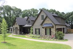 A beautiful new home on the 2014 Parade of Homes in Tyler ... from Trent Williams Construction