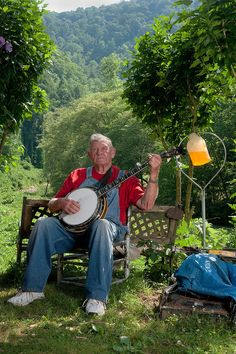 Appalachian Banjo Picker - Ah yes, my Appalachian Roots have many banjo pickers! #KMGLIFE