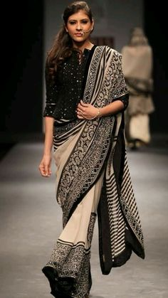 Cotton Saree Designs, Saree Blouse Neck Designs, Saree Blouse Patterns, Saree Wearing Styles, Saree Styles, Indian Wedding Outfits, Indian Outfits, Sabyasachi, Lehenga