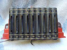 RARE Art Deco RCA Victor BLACK & RED Bakelite Aladin Book Form Tube Radio 1930s