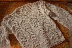 Hole pattern / braid sweater handmade von treasuresmakeshappy