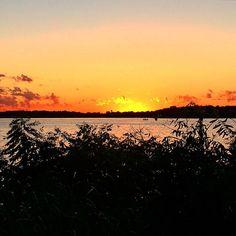 Summer sunset. #lakeminnetonka #minnesota #mn #exploremn #tonkabay #lake #minnetonka #tonka #mnlakelife #lakelife #sky #clouds #nature #summer #sunset #trees #beautiful