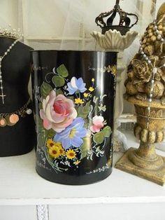 vintage painted waste basket | 50's Vintage Tole Waste basket