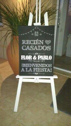 Un cartel como este para darle la bienvenida a los invitados a la boda