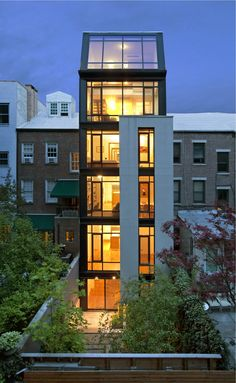 Street townhouse by Calvert Wright Architecture Townhouse Exterior, Modern Townhouse, Townhouse Designs, Architecture Design, Residential Architecture, Contemporary Architecture, Office Building Architecture, Casa Loft, Minimalist House Design