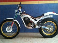 Honda Bikes, Honda Motorcycles, Trial Bike, Motorcycle Art, Bmw, Custom Bikes, Cool Bikes, Trials, Bicycle