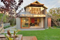 บ้านสองชั้นน่าอยู่ มีห้องนั่งเล่นริมสระว่ายน้ำ « บ้านไอเดีย แบบบ้าน ตกแต่งบ้าน เว็บไซต์เพื่อบ้านคุณ