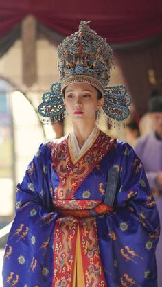 Chinese Traditional Costume, Traditional Fashion, Traditional Dresses, Oriental Fashion, Asian Fashion, Ancient China Clothing, Royal Dresses, Chinese Clothing, Chinese Culture
