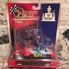 Jeff Gordon No. 24 DuPont 1997 Jeff Gordon Takes Championship 1:64 Car Display | eBay