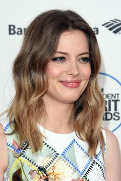 Gillian Jacobs looked oh-so-pretty with her ombre waves at the Film Independent Spirit Awards.