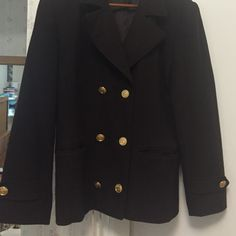 Smart brown beautiful blazer Gorgeous looking brown blazer w stunning gold buttons, can be worn as a light jacket or just a blazer - keeps u nice & warm- used - in great condition - 2 big on me. International Scene Jackets & Coats Blazers