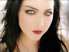 Amy Lee - Evanescence .
