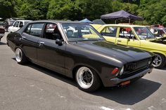 Beautiful 4-door Datsun B210, I wouldn't mind owning one of these.