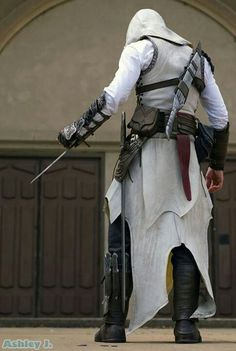Awesome Altair cosplay