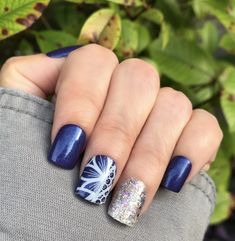 All Jamberry products. Moonlit, Forever Young, and Come Over. #jamberry #sharemyjn #moonlitjn #foreveryoungjn #comeoverjn #nailfie #diymani