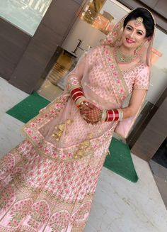 Wonderful Pic indian Bridal Boutique Popular It has the complicated realize to anticipate when you initially view a wedding dress boutique. Indian Bridal Outfits, Indian Bridal Fashion, Indian Bridal Wear, Indian Designer Outfits, Indian Dresses, Bridal Dresses, Dress Wedding, Wedding Shoot, Indian Wear