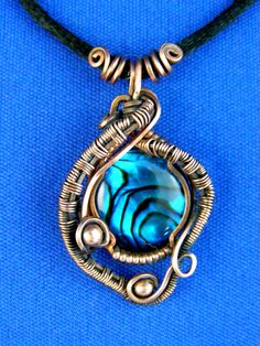 Periwinkle Pedant | JewelryLessons.com