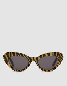 ecbd646dd160 A(z) 116 legjobb kép a(z) Latest Eyewear Trends  Most Popular ...