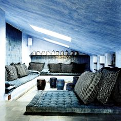 Paola Navone's apartment, Milan__the blue living room