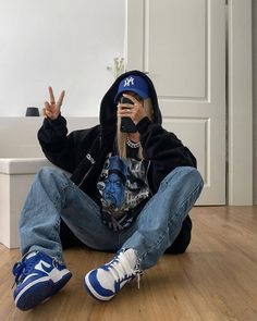 Adrette Outfits, Swaggy Outfits, Skater Girl Outfits, Baddie Outfits Casual, Indie Outfits, Teen Fashion Outfits, Retro Outfits, Cute Casual Outfits, Jordan Outfits