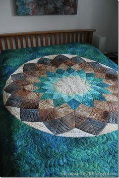 Giant Dahlia quilt by Kathy @ Tamarack Shack Longarm Quilting