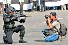 m.e-consulta.com | Periodistas en peligro tendrán derecho a auto blindado en el DF | Periódico Digital de Noticias de Puebla | México 2015