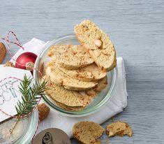 In der Weihnachtszeit schmecken sie mit kandierten Mandeln, Orangenschale, Zimt und Nelkenpulver besonders fein.