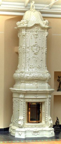 HISTORISCHER KACHELOFEN - a more then 90% reconstructed historical glazed tile stofe by VM-Keramik http://www.vm-keramik.de/