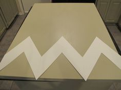 DIY Chevron Canvas Wall Art with Free Printable Stencil {The Creativity Exchange}