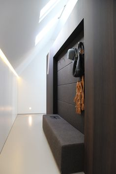 Image 21 of 26 from gallery of Outside-in' - Residence in Goes / grassodenridder_architecten. Courtesy of grassodenridder_architecten Contemporary Interior Design, Luxury Interior Design, Interior Styling, Interior Architecture, Lobby Interior, Apartment Interior Design, Farm Shed, Entry Hallway, Shed Homes