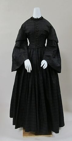 Mourning Dress, silk, c. 1855, American. Metropolitan Museum of Art accession no. 2009.300.6884