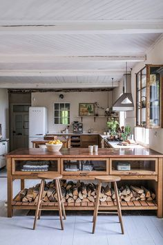 A vintage-looking DeVOL Haberdasher kitchen with SMEG fridge in a Swedish countryside Cottage - The Nordroom #kitchen #vintagedecor #cottagekitchen #cottage #swedishcottage #sweden #kitchendesign #devol Swedish Kitchen, Swedish Cottage, Old Cottage, Cottage Living, Kitchen Post, New Kitchen, Kitchen Dining, Kitchen Decor, Kitchen Interior