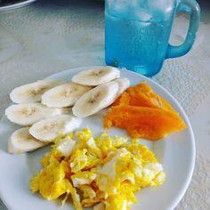 Depois de 6 k de AEJ : ovos caipiras mamão banana e água de coco. DAY 5 #PROJETOSEMFURAR #eatclean #lifestyle #30tododia #comeeagacha #workout #fitness #vidasaudavel #reeducacaoalimentar #lowcarb #instafit #projetomimis #projetomairatavares #emagrecimento #esmagaquecresce #bumbumnanuca #projetoverao #foco #tips4life #13memo #desafiodrbarakat4life #desafio30diasdrbarakat #doutorbarakat #fikagrandeporra #paleolifestyle #paleo #paleobrasil #lchf #musculação #paleoway by alwaysfitness2015