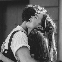 Black and White Couple Laughing Picture. Black and White Couple Laughing Picture. Couple Laughing, Laughing Jack, Friends Laughing, Cute Relationship Goals, Cute Relationships, Relationship Pictures, Relationship Quotes, Photo Couple, Couple Photos