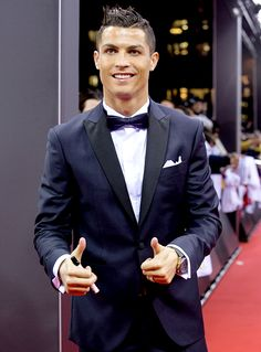 FIFA Ballon d'Or nominee Cristiano Ronaldo of Portugal and Real Madrid arrives for the FIFA Ballon d'Or Gala 2015 at the Kongresshaus on January 11, 2016 in Zurich, Switzerland