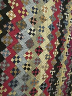 Zig Zag Nine Patch Variation c. (top made c. 1890 incorporated into the quilt c. Amische Quilts, Sampler Quilts, Easy Quilts, Small Quilts, Quilts Vintage, Antique Quilts, Vintage Sewing, 9 Patch Quilt, Plaid Quilt