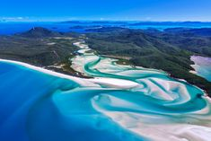 Whitehaven Beach in Whitsunday Island, Australia: one of the world's most beautiful beaches #travel #vacation #sailing #WhitehavenBeach #Australia #traveltips