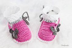 Prinzessin Babyschuhe mit Wunschnamen von Strickparadies auf Etsy