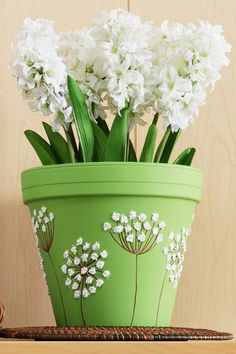 Craft Painting Queen Anne's Lace Clay Pot - Plant Pot - Ideas of Plant Pot - Craft Painting Queen Anne's Lace Clay Pot Flower Pot Art, Flower Pot Design, Clay Flower Pots, Flower Pot Crafts, Painted Plant Pots, Painted Flower Pots, Clay Pot Projects, Clay Pot Crafts, Craft Projects