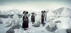 Check out these beautiful photos of remote tribes and village clans from all over the world, documented by photographer Jimmy Nelson. Jimmy Nelson has traveled to the world's most hidden corners to… Papua Nova Guiné, Jimmy Nelson, Cold Deserts, Ladakh India, Exposition Photo, Indigenous Tribes, Modern Metropolis, People Of The World, Passed Away