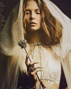 #Repost @fashionwitchjuli ・・・ New York Witches in @galialahav with @mariaelenaheadpieces & @freidarothman for @insideweddings. #weddingfashion @lizvonhoene @anariz1 @titoguhair @w360models #fashion #magicwand #itsmagic #golden #love #weddingdresses #sowhatifitswedding? #work #newwork #editorial #photoshoot #styling #style #magical